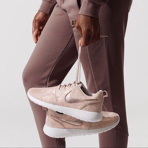 NWT Nike Roshe One Rose Gold